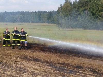 výjezd SDH k požáru zemědělského stroje