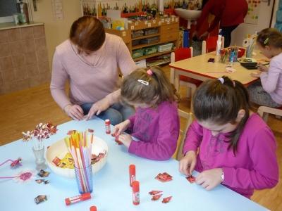 Velikonoční tvoření maminek s dětmi