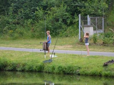 Dětské rybaření s SDH a p. Křepinským foto M. Štíbal