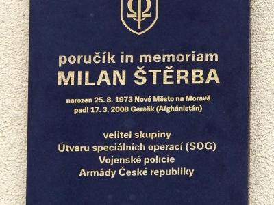 Odhalení pamětní desky poručíka in memoriam Milana Štěrby