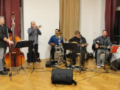 Charitativní ples Asociace ÚSMĚV + vystoupení bubeníčků ZŠ Žďár n S.